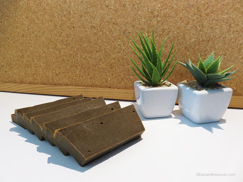 Comment réaliser un savon ayurvédique à la poudre de tulsi ?